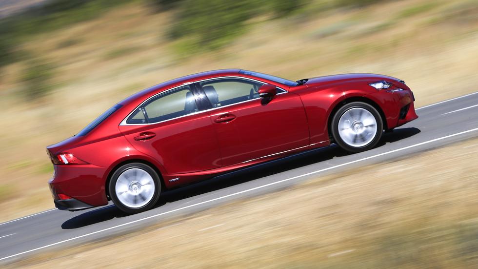 Prueba: Lexus IS 300h, ¿Diesel? No gracias