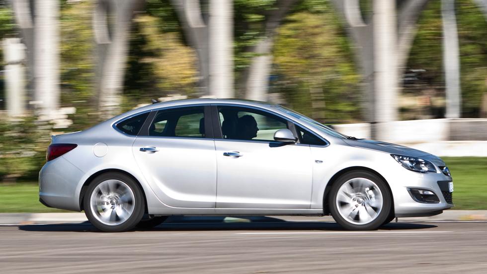 Prueba: Opel Astra Sedan 1.7 CDTI