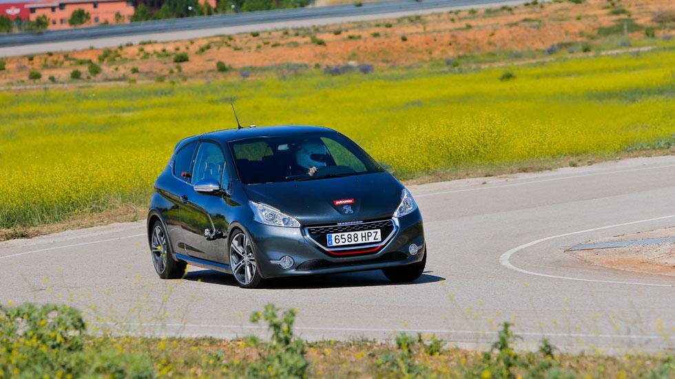 ¿Quieres probar un Peugeot RCZ o un 208 GTI en un circuito?