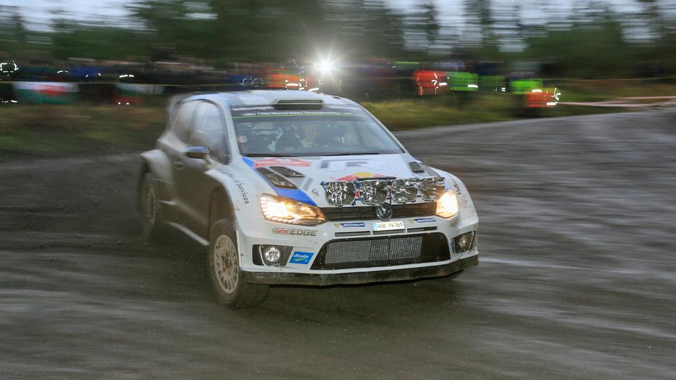 Rallye de Gales - viernes: Ogier domina sobre el barro