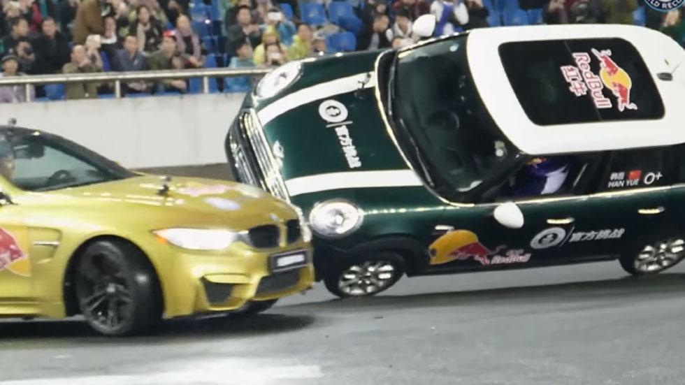El 'donut' más largo de la historia… ¡alrededor de un coche de dos ruedas! Vídeo