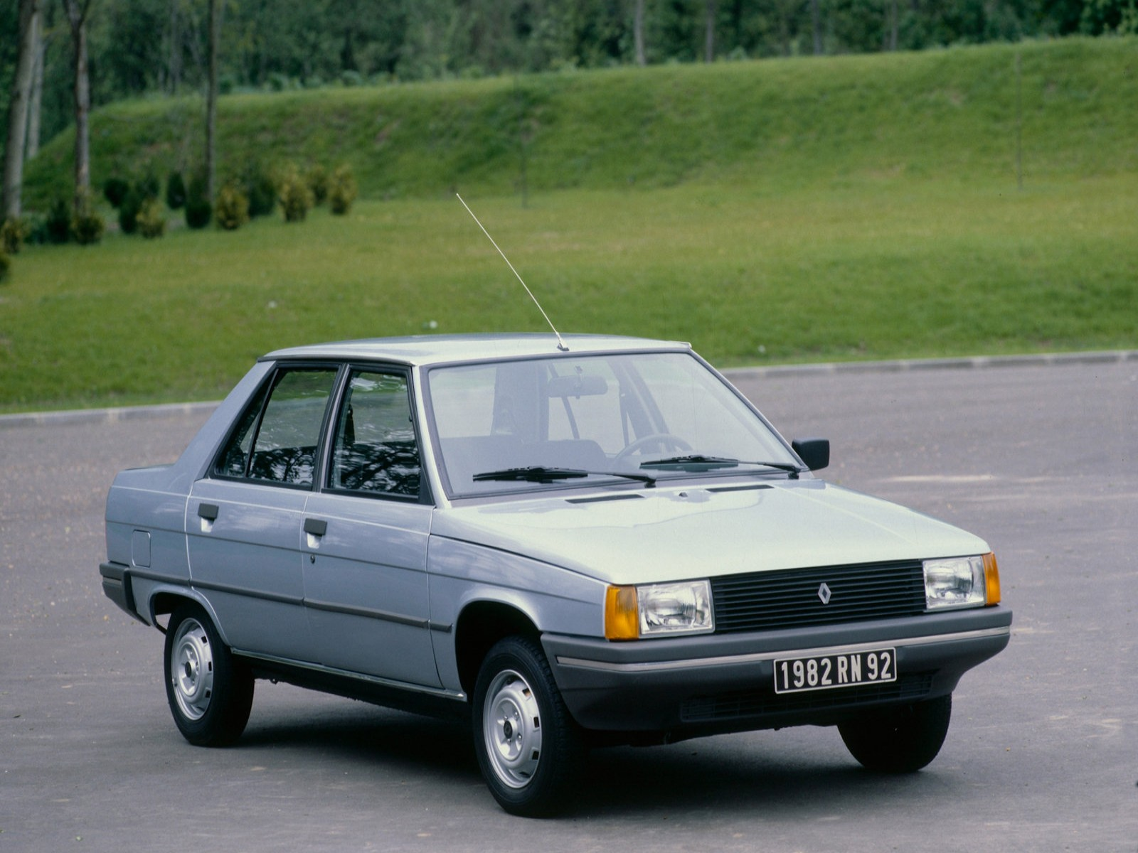 Renault 9 (1982)