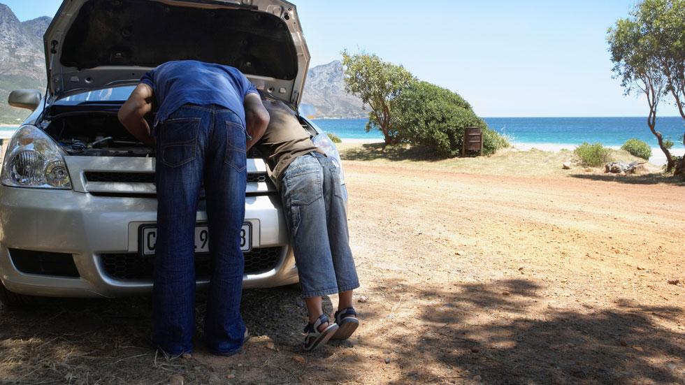 Reparaciones caseras, un riesgo para tu coche