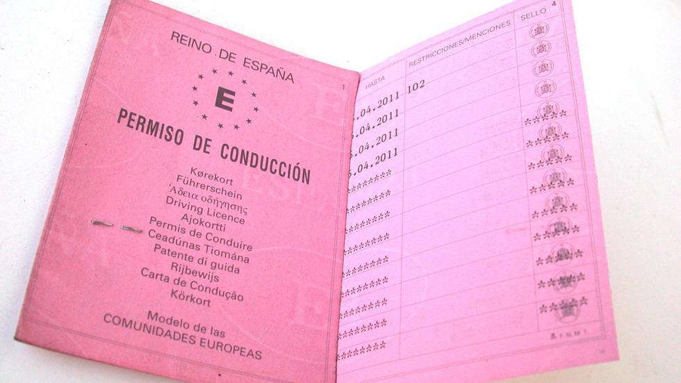 Los residentes comunitarios en España ya deben renovar el carné de conducir