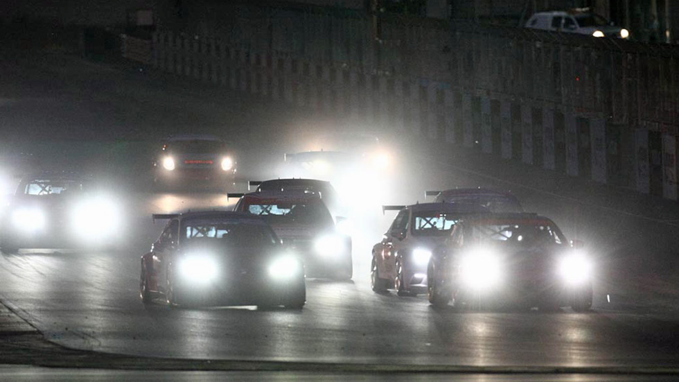 Resistencia en Alcañiz: Noche de carreras