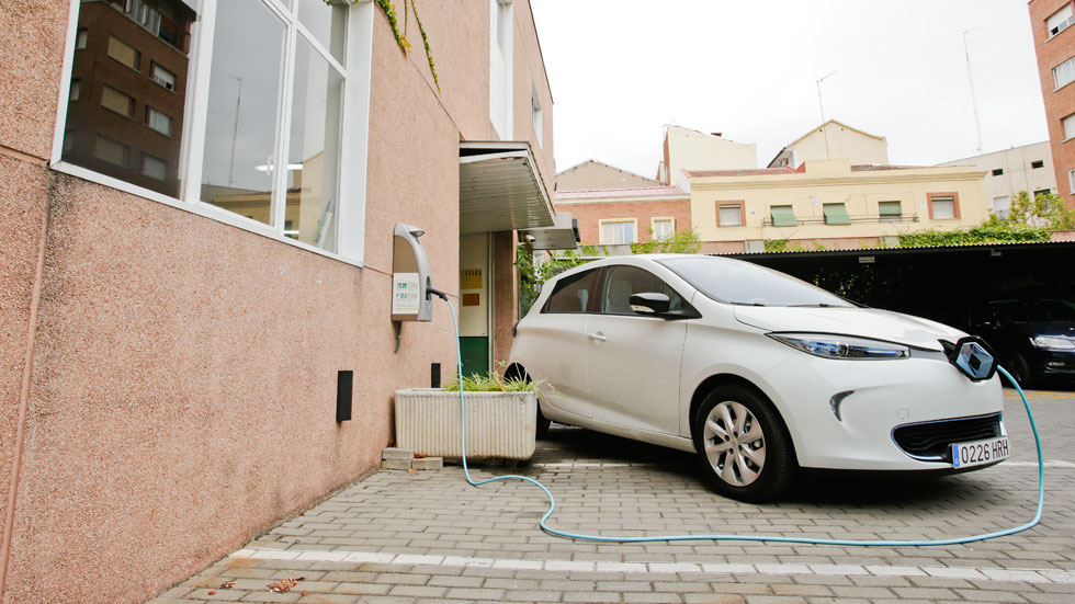 Reto Zoe: subir la autonomía oficial del électrico de Renault de 210 km a 230 km