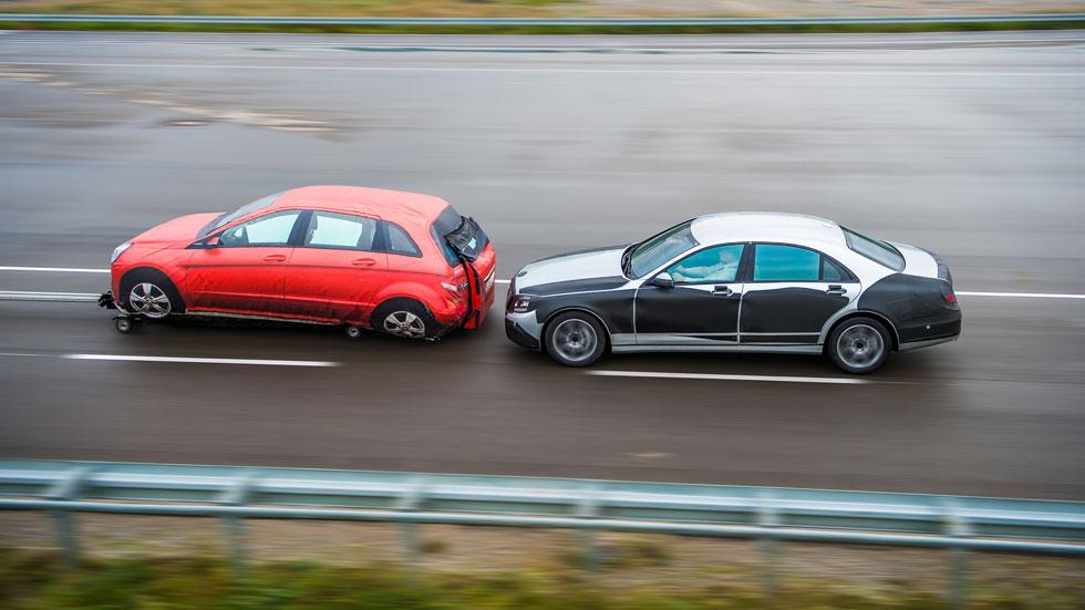Mercedes nos muestra en vídeo su sistema 'Intelligent Drive'
