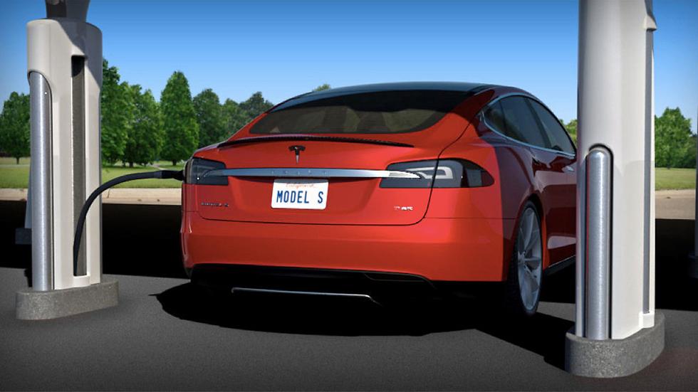 Tesla quiere cargar los eléctricos en 5 minutos