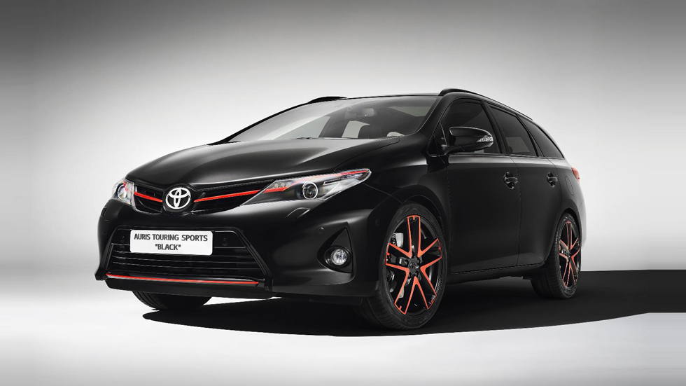 Los Toyota Auris Touring Sports y RAV4 con más estilo