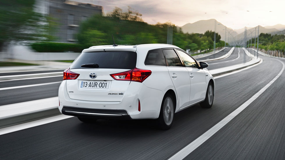 Contacto: Toyota Auris Touring Sports Hybrid