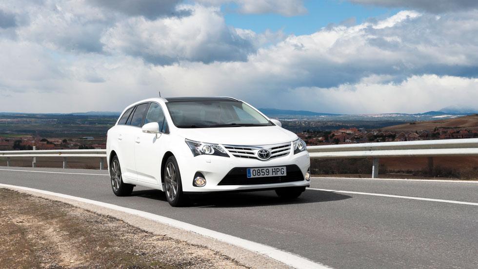 Toyota Avensis 2014, más tecnológico