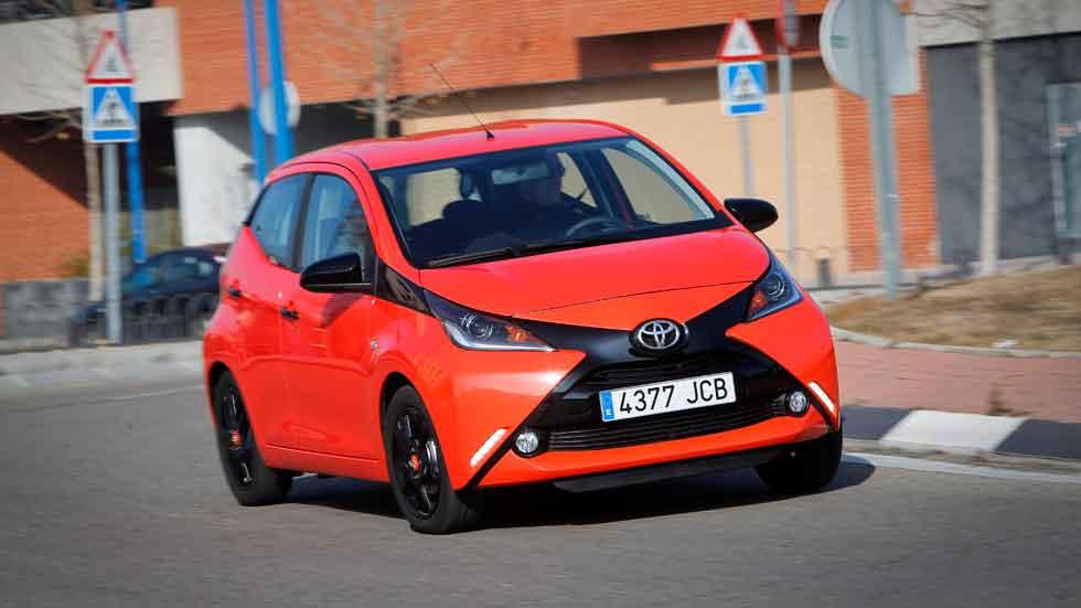 "Prueba: Toyota Aygo 1.0 5 puertas,  ""fast food"""