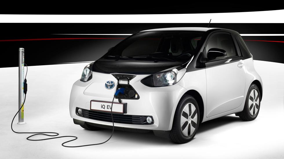 Contacto: Toyota iQ EV, chispa eléctrica para la ciudad