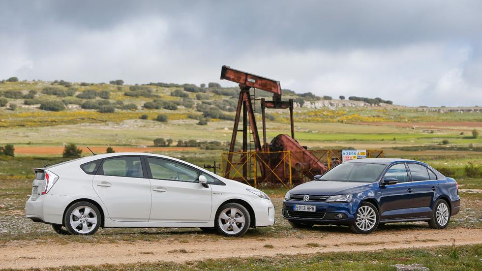 Comparativa: Toyota Prius vs VW Jetta Hybrid, lucha híbrida