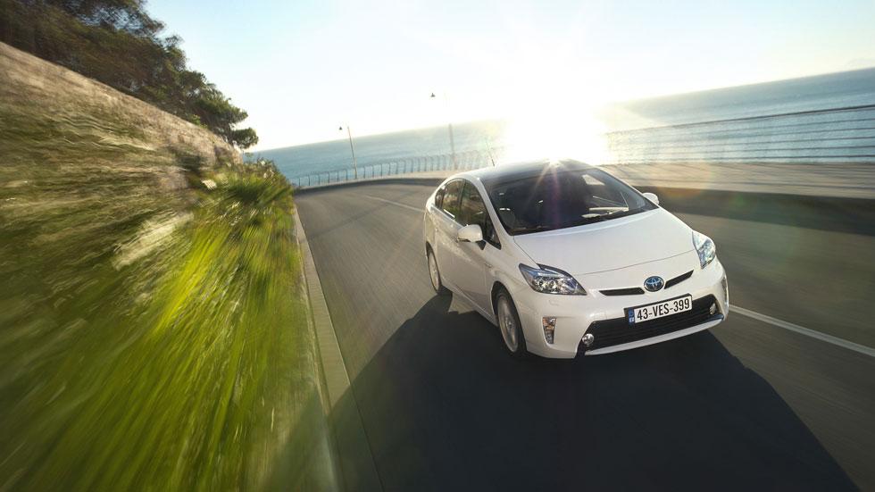 Toyota llama a revisión 1,9 millones de unidades del Prius
