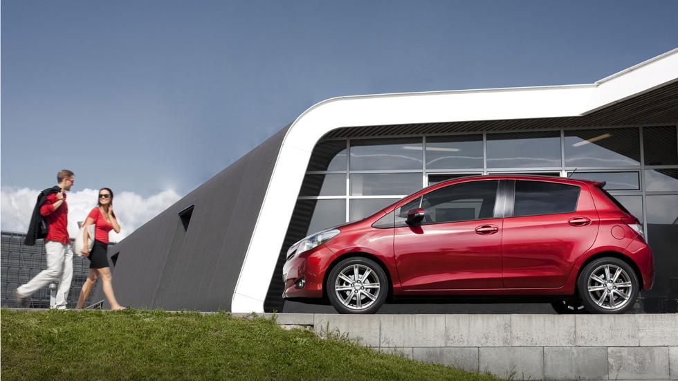Toyota Yaris 2013, mejoras en equipamiento