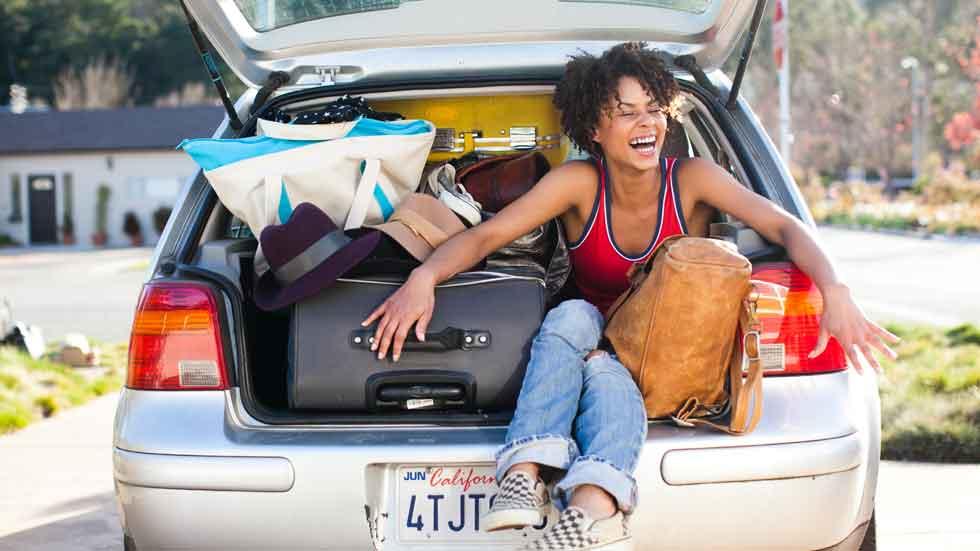 Casi 1 de cada 2 conductores viaja con objetos sueltos en el habitáculo