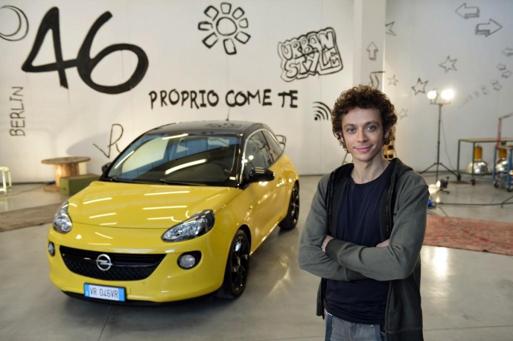 Valentino Rossi,embajador del Opel Adam