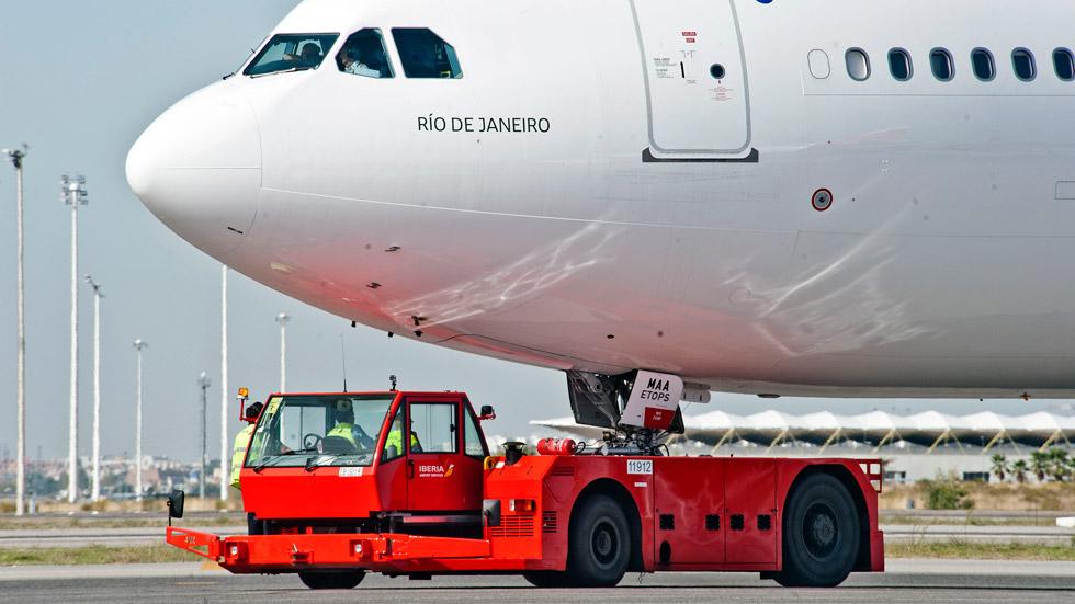 Vídeo: conoce cómo son los vehículos que trabajan en el aeropuerto