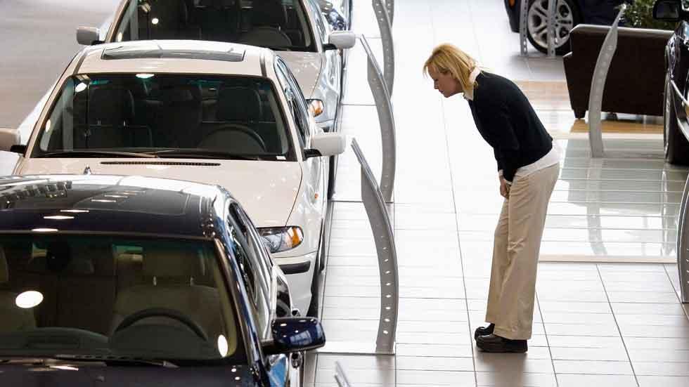 La venta callejera de coches causa 300 millones de pérdidas