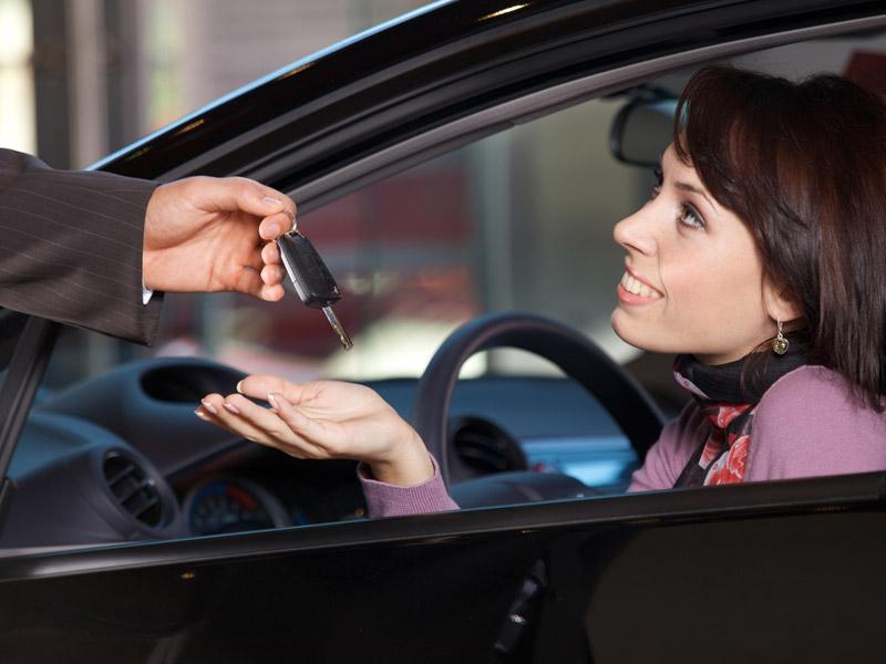 Las ventas de coches bajan un 0,7 por ciento en junio