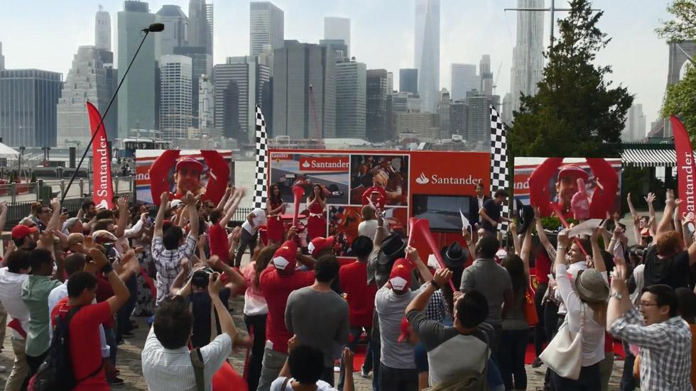 Vídeo: Ferrari y el Santander gastan una broma a Fernando Alonso en Manhattan