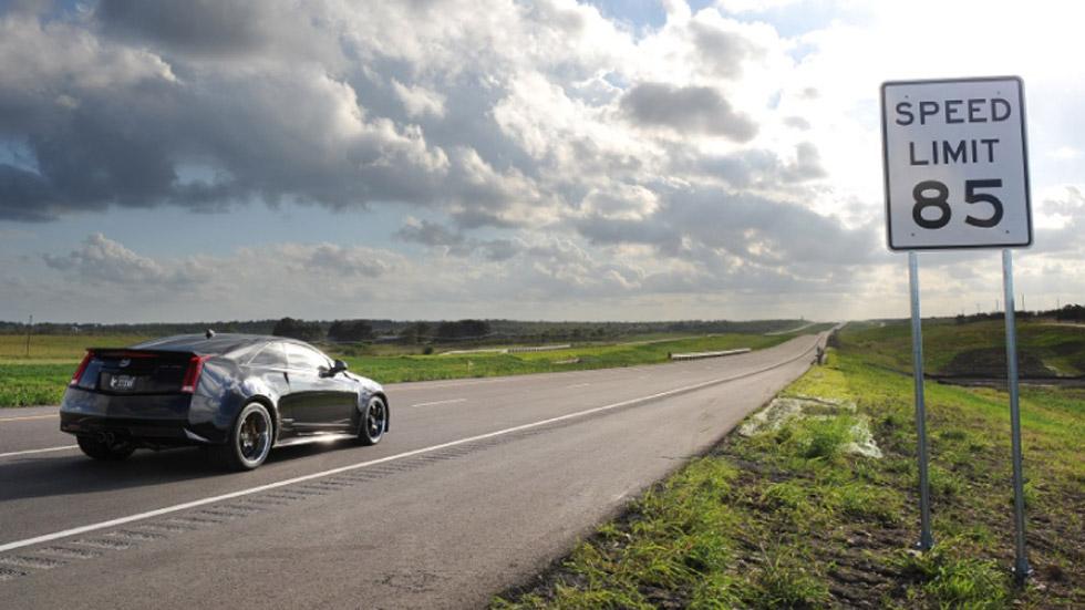 Vídeo: el Hennessey VR1200, a más de 350 km/h en autopista