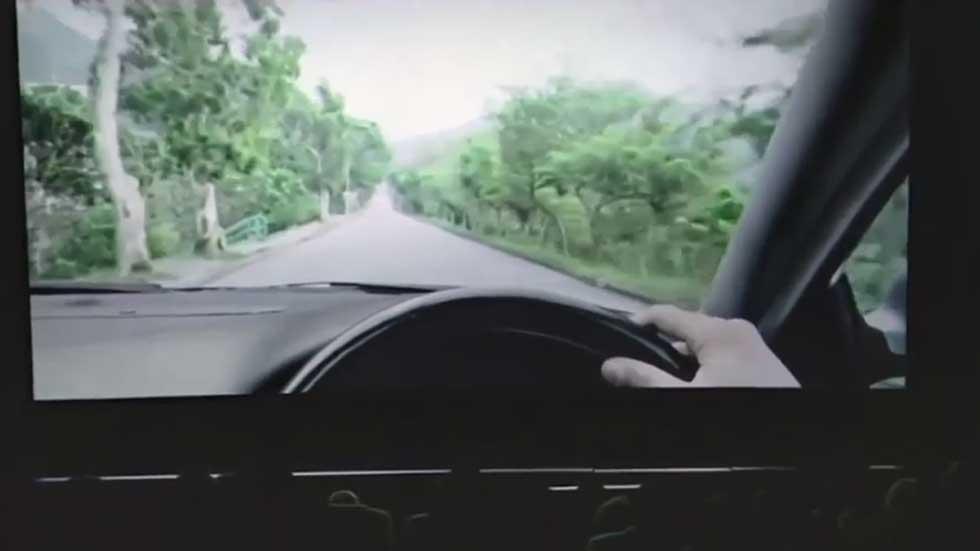 Videonoticia: VW 'Eyes on the Road' o los peligros de usar el móvil cuando conduces