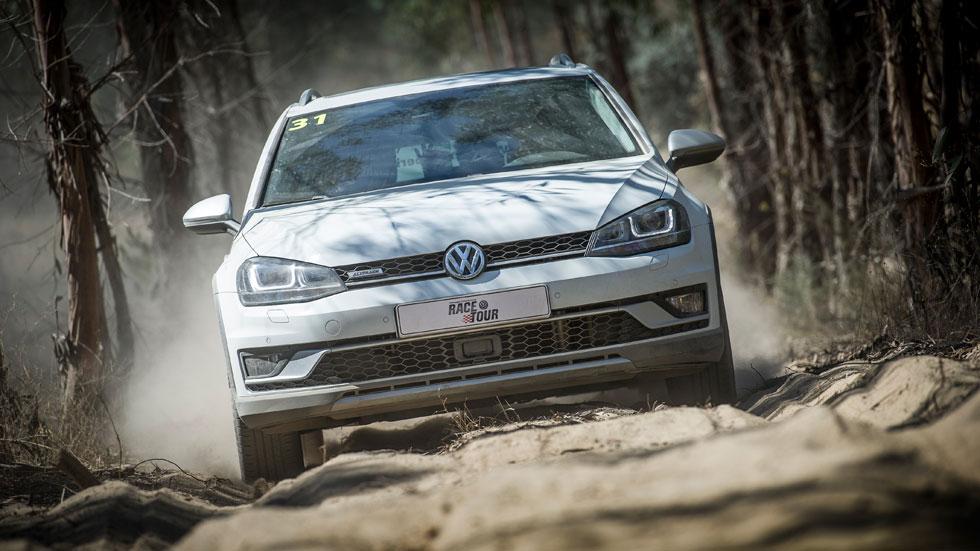 Volkswagen Race Tour: mejorando nuestra conducción con Luís Moya (Vídeo)