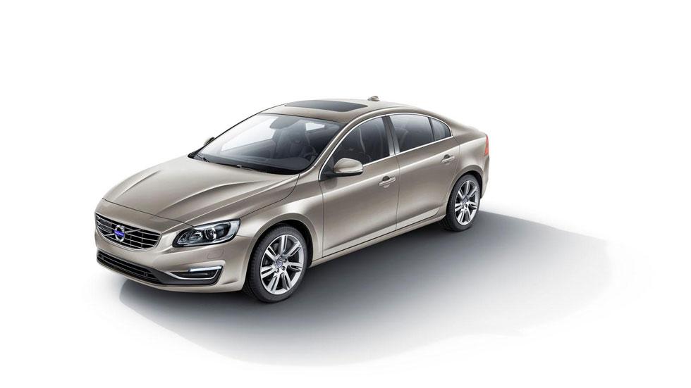 Volvo S60 L, el S60 da el estirón para China