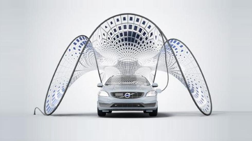 Volvo y su toldo solar para recargar coches eléctricos