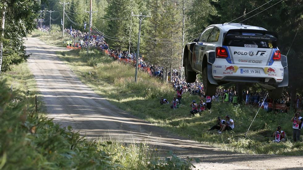 Rallye de Finlandia – sábado: Ogier acaricia la victoria