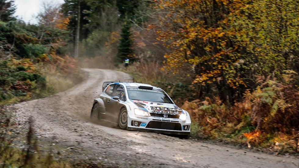Rallye de Gales - viernes: Ogier y Latvala mantienen un pulso de lujo