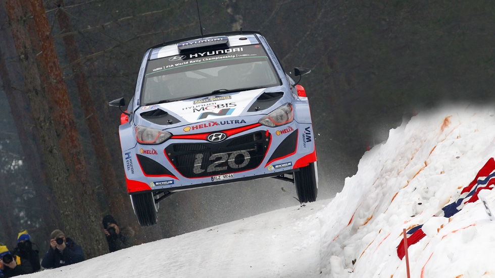 Rallye de Suecia – sábado: Neuville le arrebata el liderato a Mikkelsen