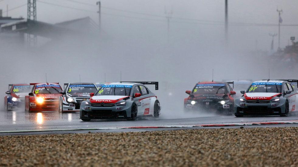 WTCC – Eslovaquia: Loeb, ganador entre la tempestad