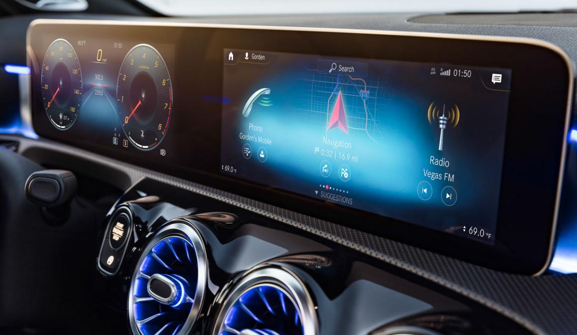 Mercedes Clase A 2018  Nuevas Versiones De Gasolina  Ya A