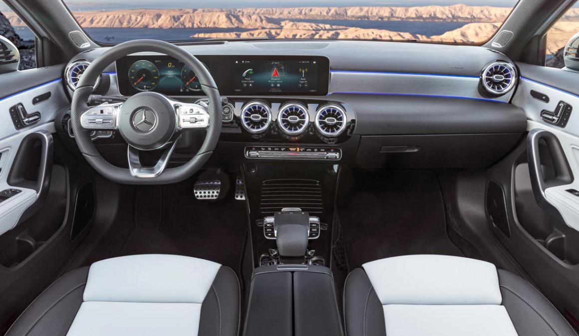 Mercedes clase a 2018 nuevas versiones de gasolina ya a for Interior clase a