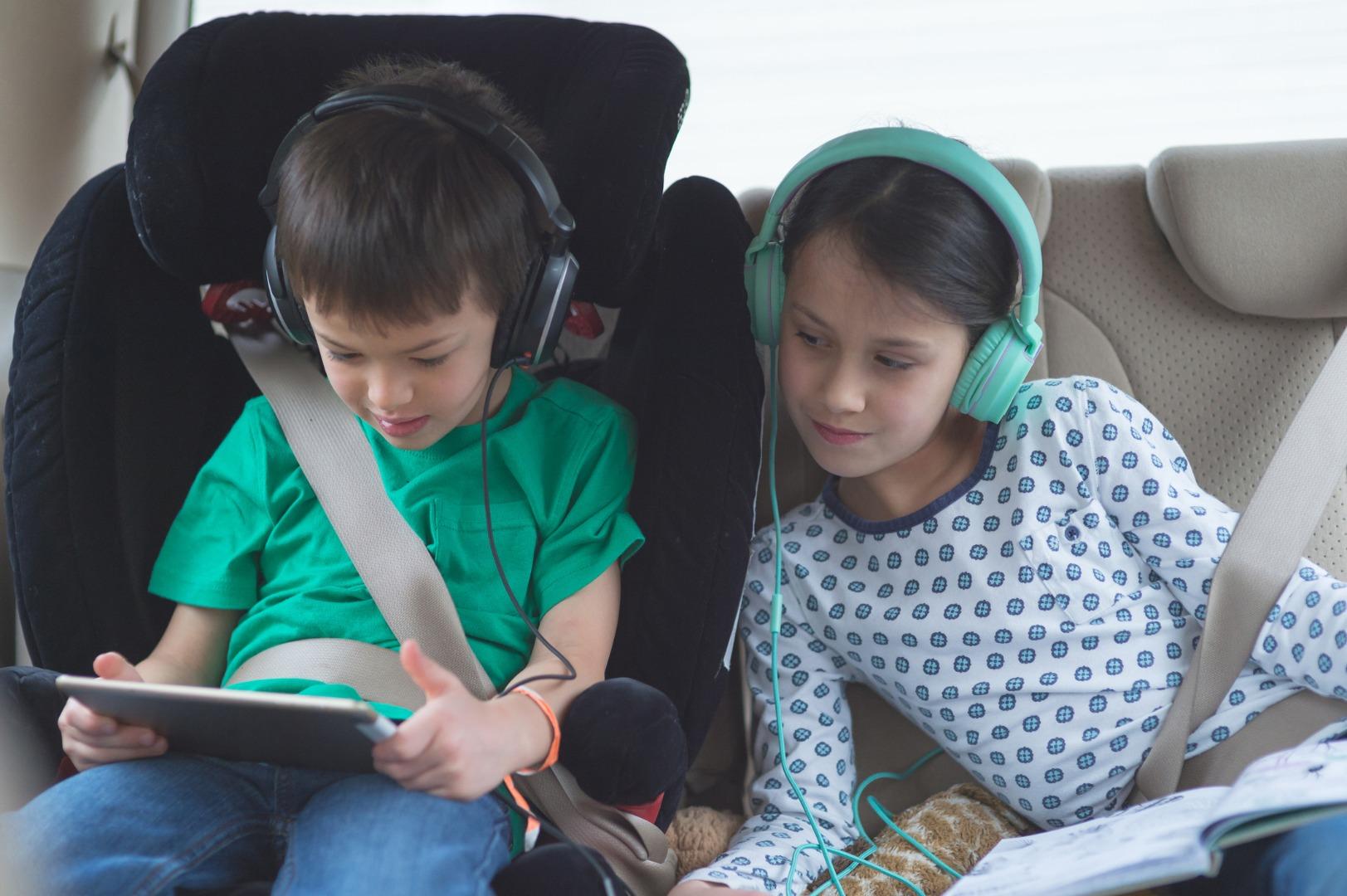 Las mejores apps para el coche de este verano: radares, música, gasolineras