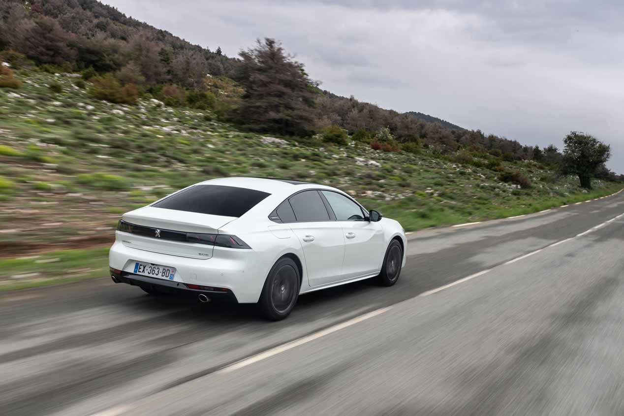 Peugeot 508 Hybrid Plug-in de 300 CV: luz verde en 2019
