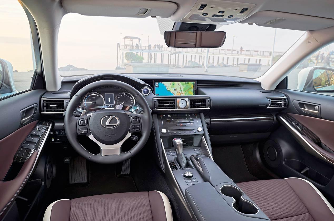 Lexus IS 300h: híbrido de referencia