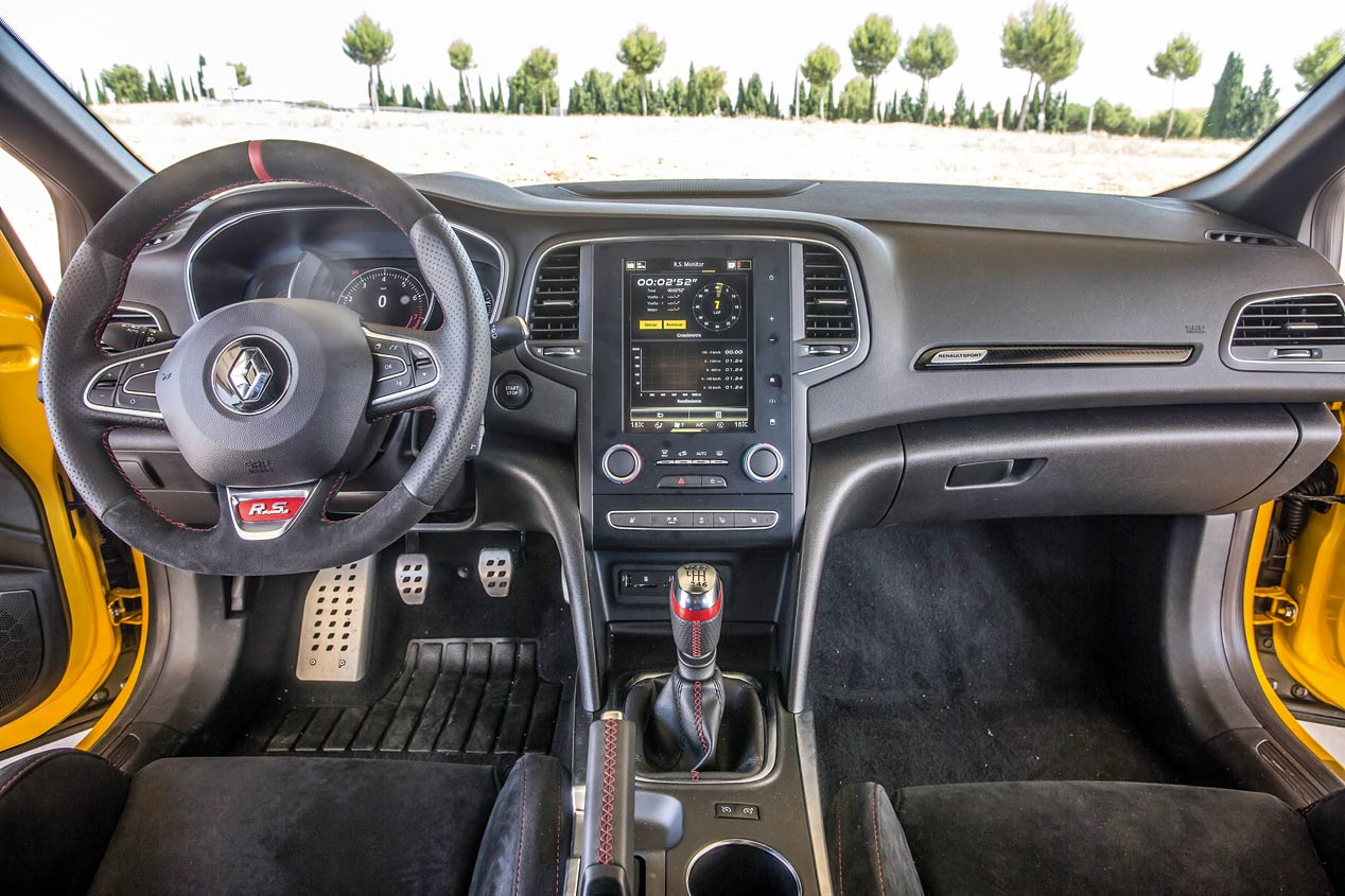 Renault Megane RS frente a Seat León Cupra R: duelo en casa