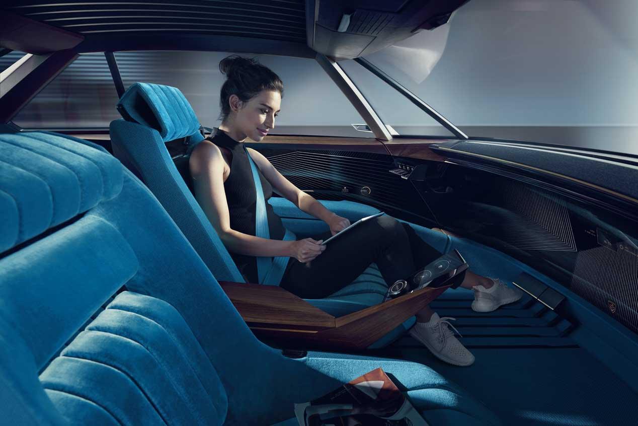 Peugeot e-Legend Concept, la conducción autónoma puede ser divertida