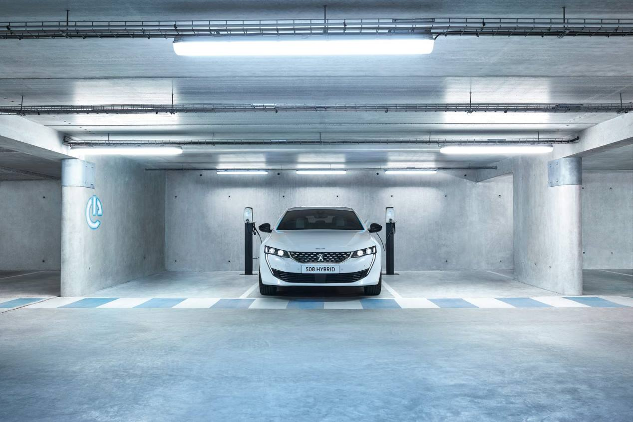 Peugeot 508 Hybrid 2019: así es la próxima berlina híbrida enchufable