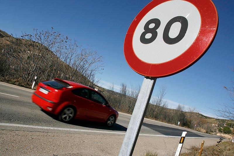 El Gobierno quiere rebajar la velocidad máxima en todas las carreteras secundarias