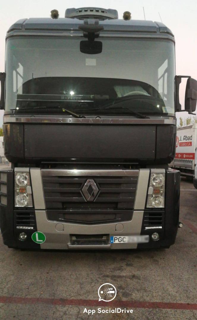 Exclusiva: así son el camión y la furgoneta camuflados con radar de la DGT