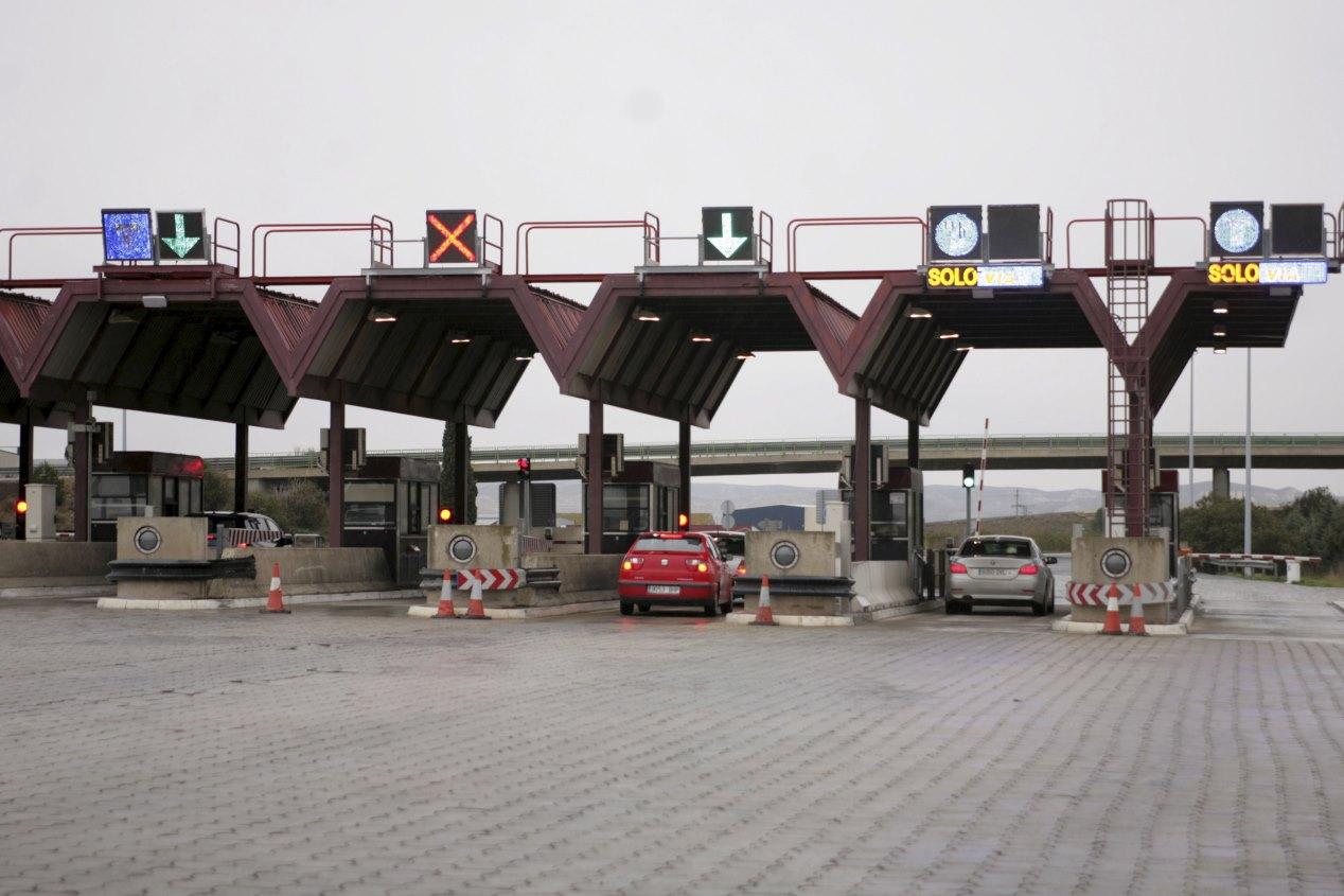 5c0674ad0ee69418043495db Francia Suspende La Subida De Combustibles Espana Tendra Impuesto Al Diesel