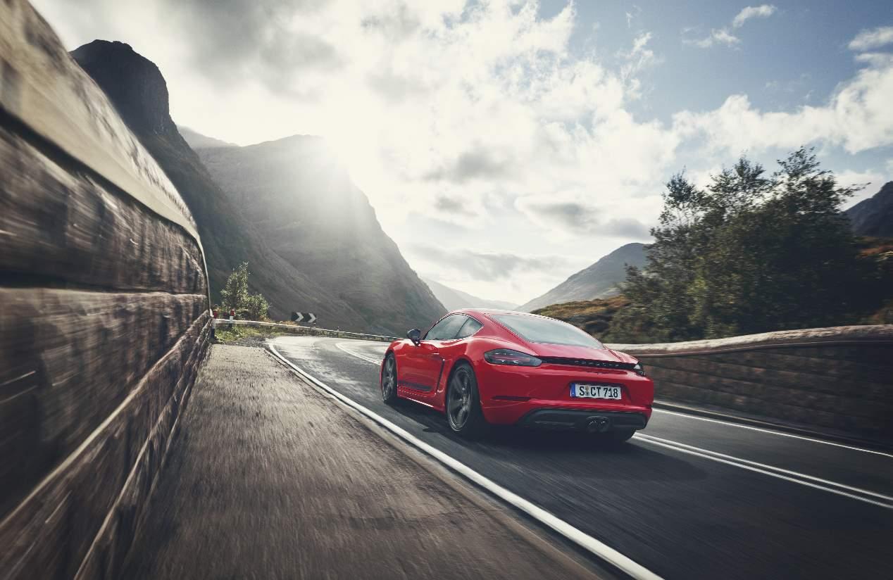 Los Porsche 718 T Boxster y Cayman 2019, en imágenes