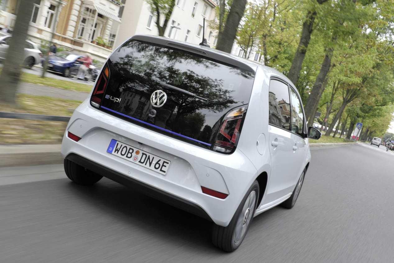 ¿Restricciones? No, gracias: los coches Cero y Eco más baratos del mercado