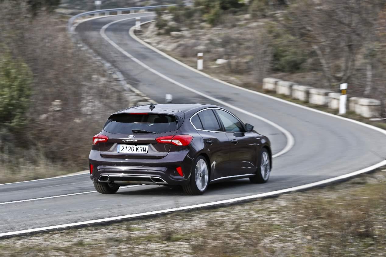 Comparativa de gasolina: Ford Focus frente a VW Golf