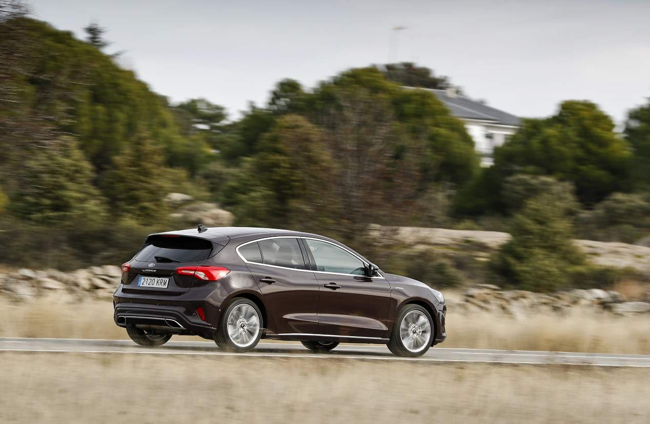 Comparativa de gasolina: Ford Focus frente a VW Golf